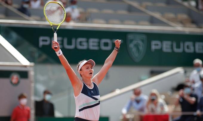 Barbora Krejcikova lần đầu vô địch Roland Garros