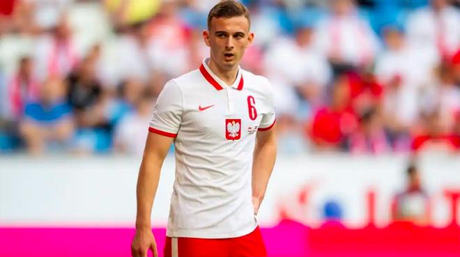 Euro 2021: Kỷ lục cầu thủ trẻ nhất lại bị phá.