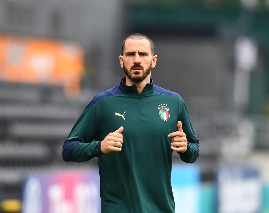 Trung vệ Leonardo Bonucci: 'Chung kết giữa thanh niên và những ông lão'
