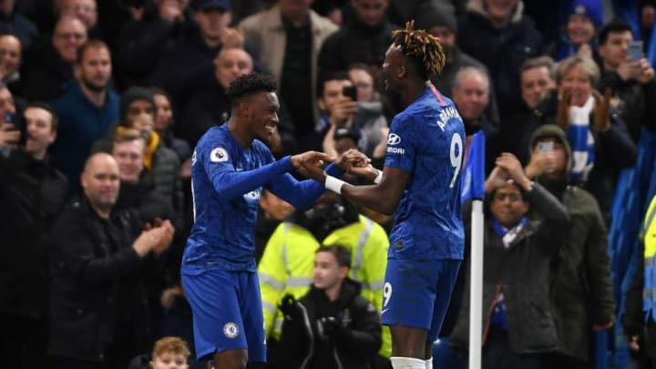 Chelsea sẽ bán cặp tuyển thủ Tammy Abraham và Hudson-Odoi
