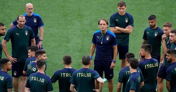 Euro 2020: ĐT Italia lo lắng khi có 3 ca nhiễm COVID-19 trước trận chung kết.