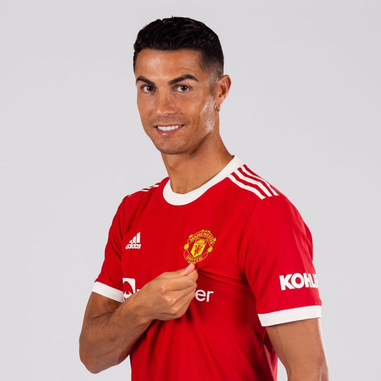 Manchester United thay đổi ngày ra mắt Ronaldo